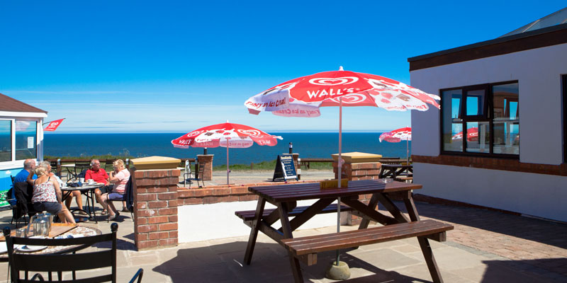 Headlands Restaurant offers a dog-friendly restaurant environment for both walkers with dogs and car travellers accompanied by their dogs